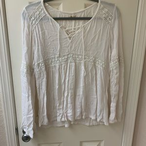 White Hollister blouse.